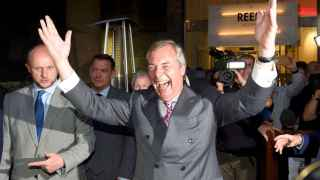 Nigel Farage, líder del United Kingdom Independence Party (UKIP), celebra el resultado del referéndum