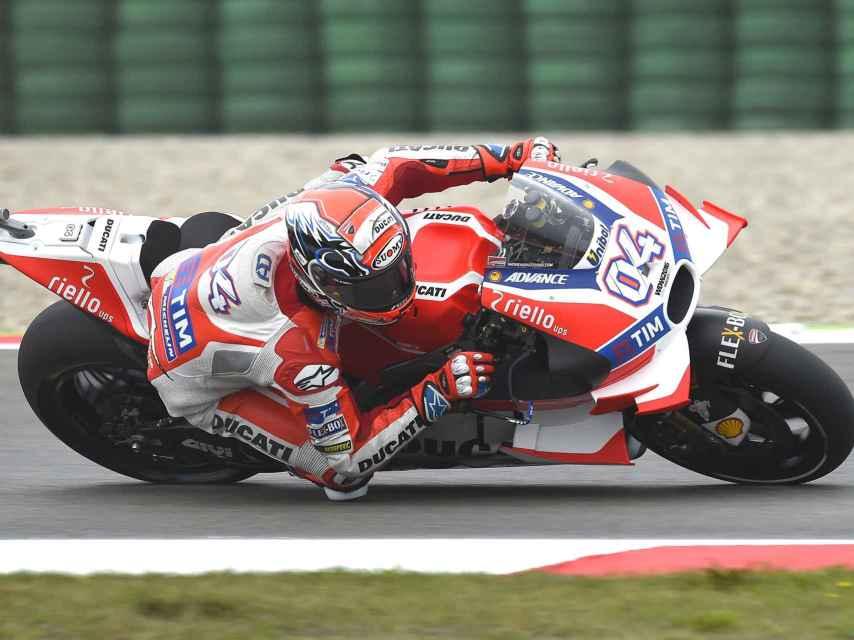 Dovizioso pilota su Ducati, provista de las alas.