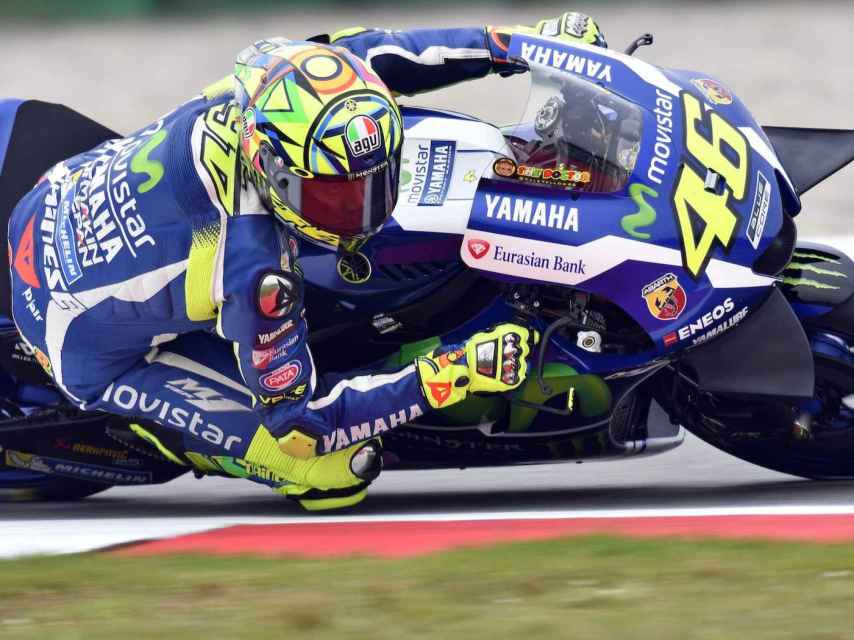 Las grandes alas de la Yamaha M1 de Valentino Rossi.