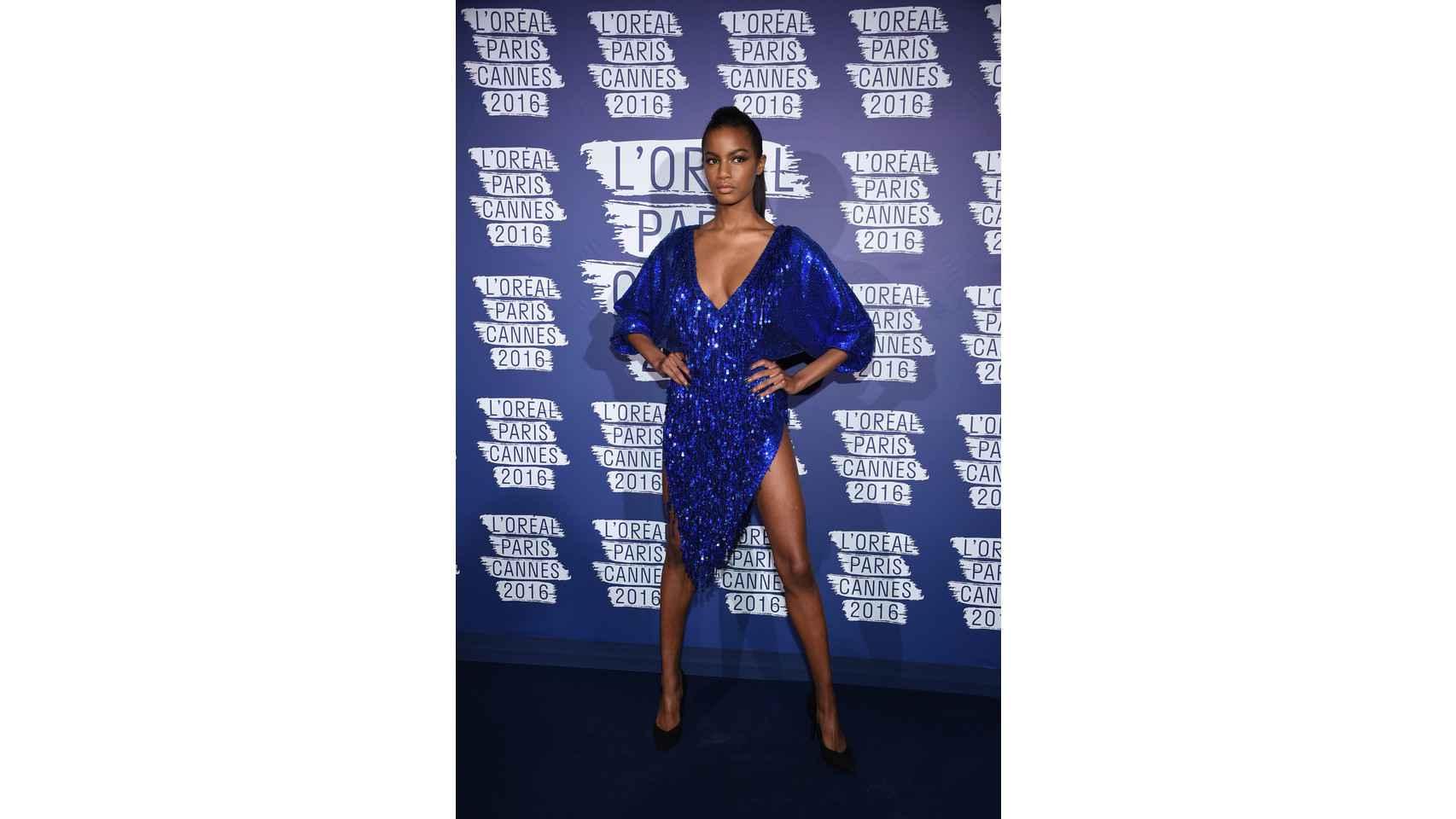 La modelo Maria Borges en la fiesta L´Oreal Blue Obsession durante el festival de cine de Cannes.