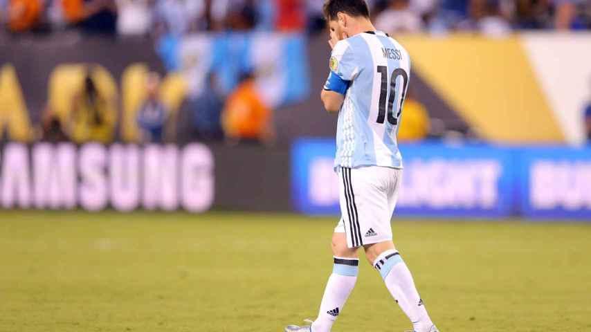 Messi anuncia su adiós a la selección argentina tras la derrota ante Chile
