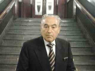 César Navarro.