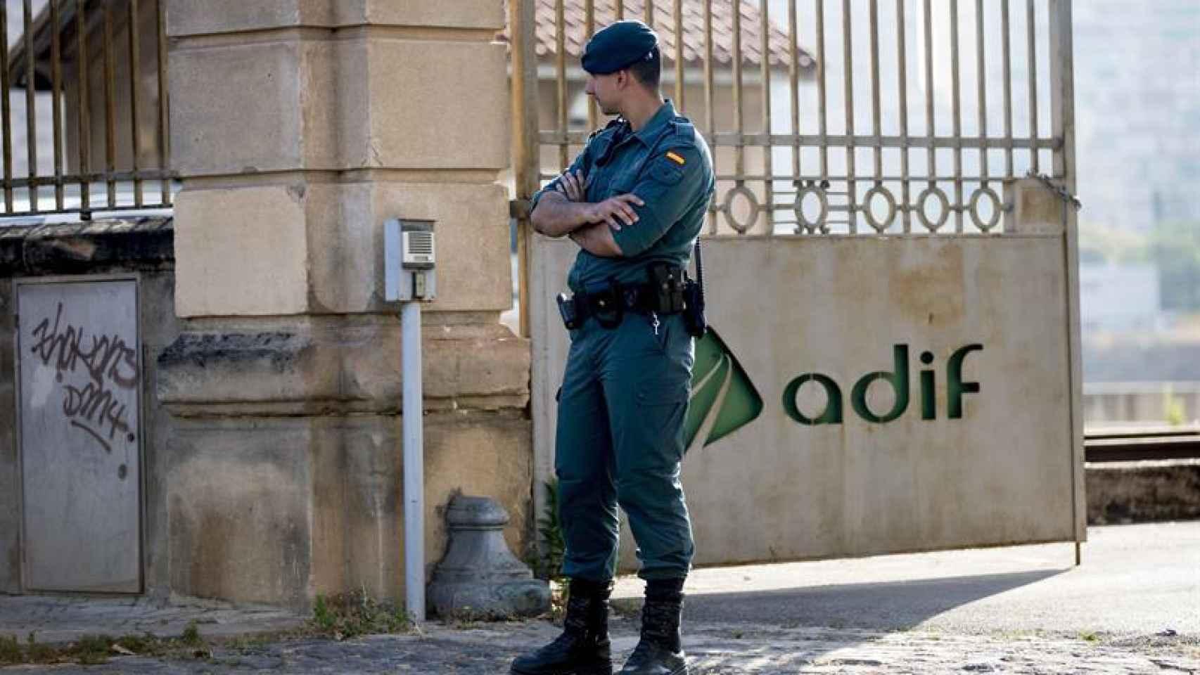 La Guardia Civil durante la operación.