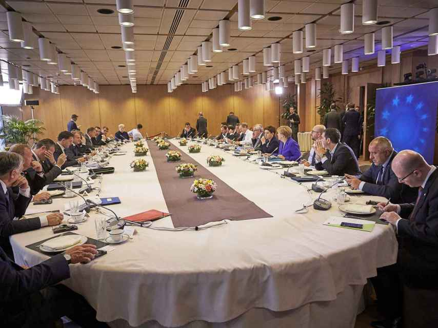 La mesa de los 27 líderes europeos sin Cameron