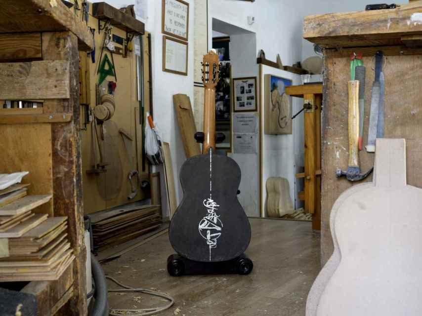 Áurea, la guitarra bautizada así por el número algebraico que representa la perfección.