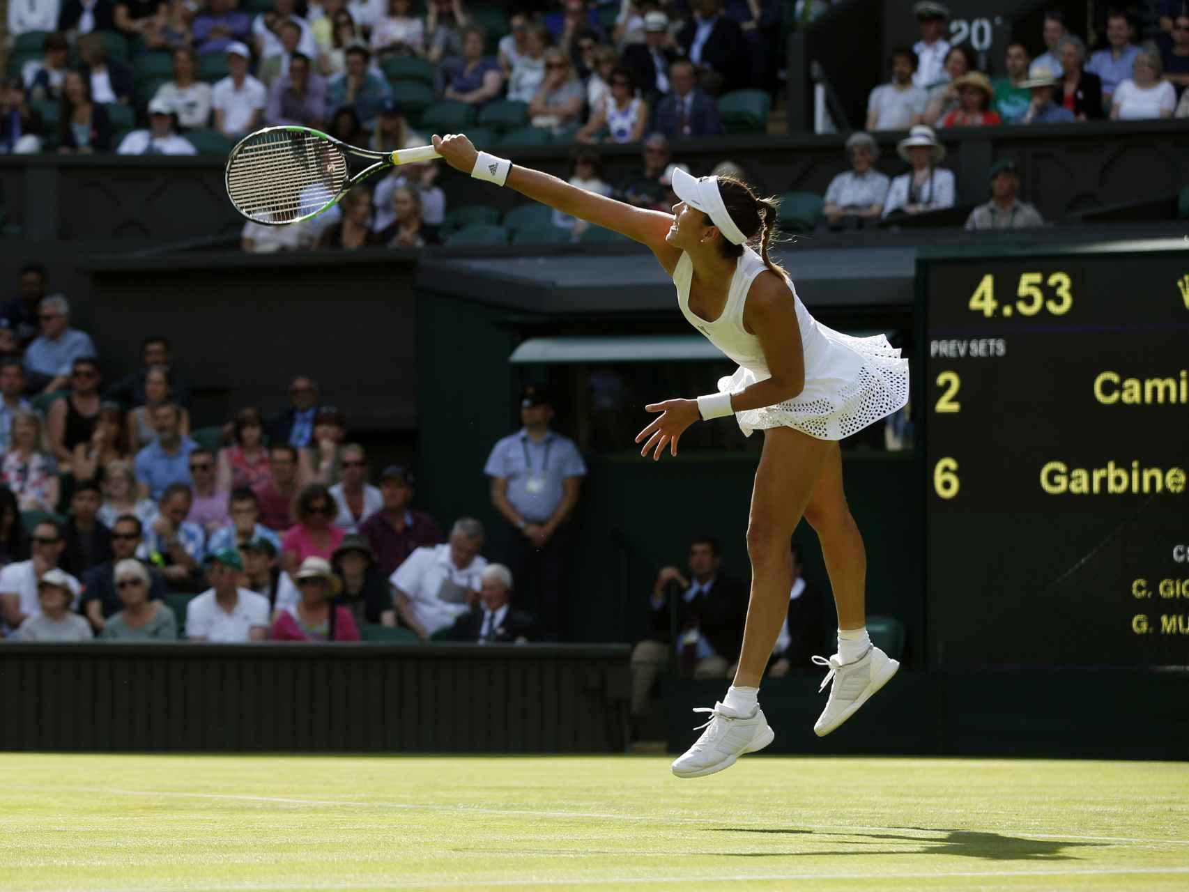 Garbiñe Muguruza,  en el partido contra Camila Giorgi, en Wimbledon 2016.