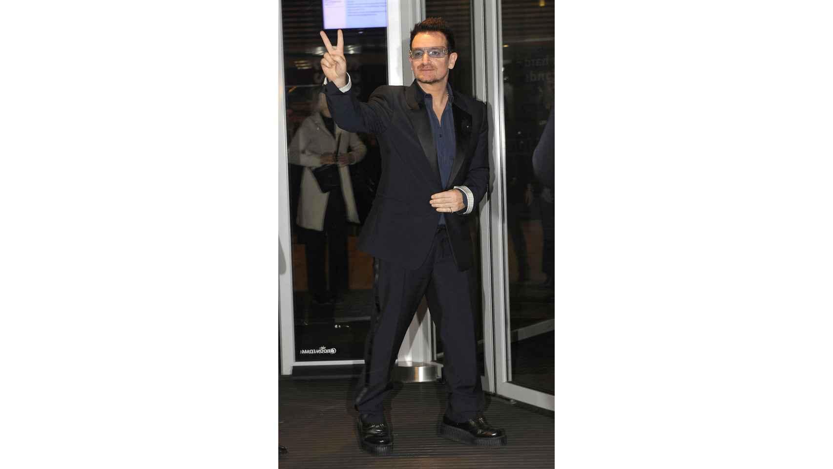Amantes de las botas vaqueras, Bono y su grupo U2 lanzaron un single titulado Sexy Boots.