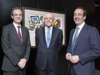 Jordi Gual, Isisdro Fainé y Gonzalo Gortázar.