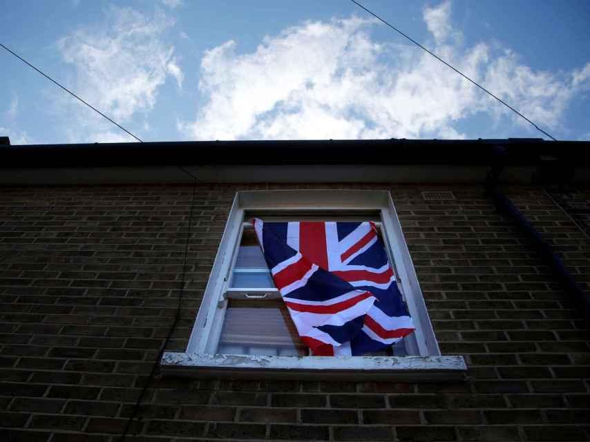 David Cameron ha denunciado el brote de violencia racista.