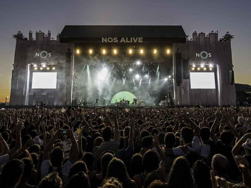 Olvídate del FIB y el BBK: este verano los mejores festivales están en Portugal
