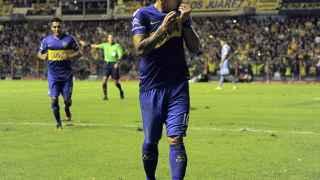 Carlos Tévez celebra un gol con Boca Juniors.