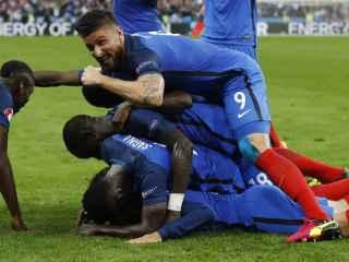 Los jugadores franceses celebran un gol.