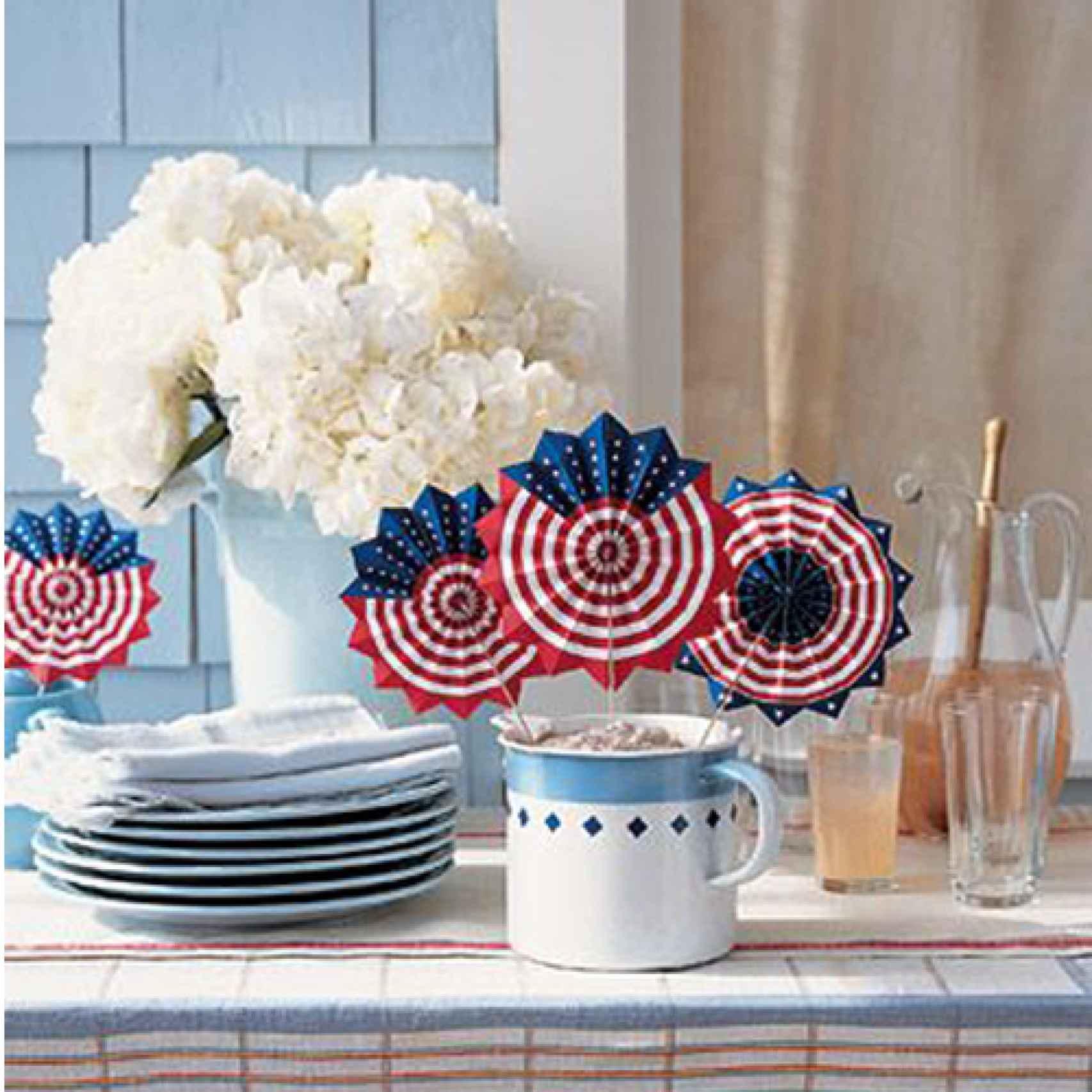 Decoración DIY (do it yourself) con temática de la bandera de EE.UU.