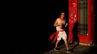 Durante las fiestas de San Fermín muchos visitantes recurren a la calle para orinar