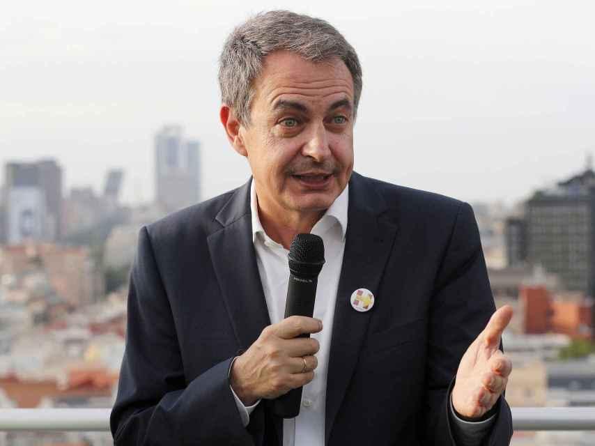 Zapatero participa en una charla de apoyo a la candidatura de Hillary Clinton.