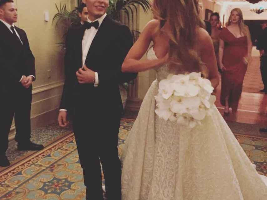 Manolo, el hijo de la actriz, llevó a su madre al altar en su segunda boda.