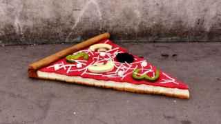 'Eat Me', o cómo un colchón puede transformarse en pizza