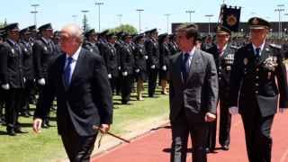 Jorge Fernández Díaz e Ignacio Cosidó en un acto oficial de la Policía Nacional
