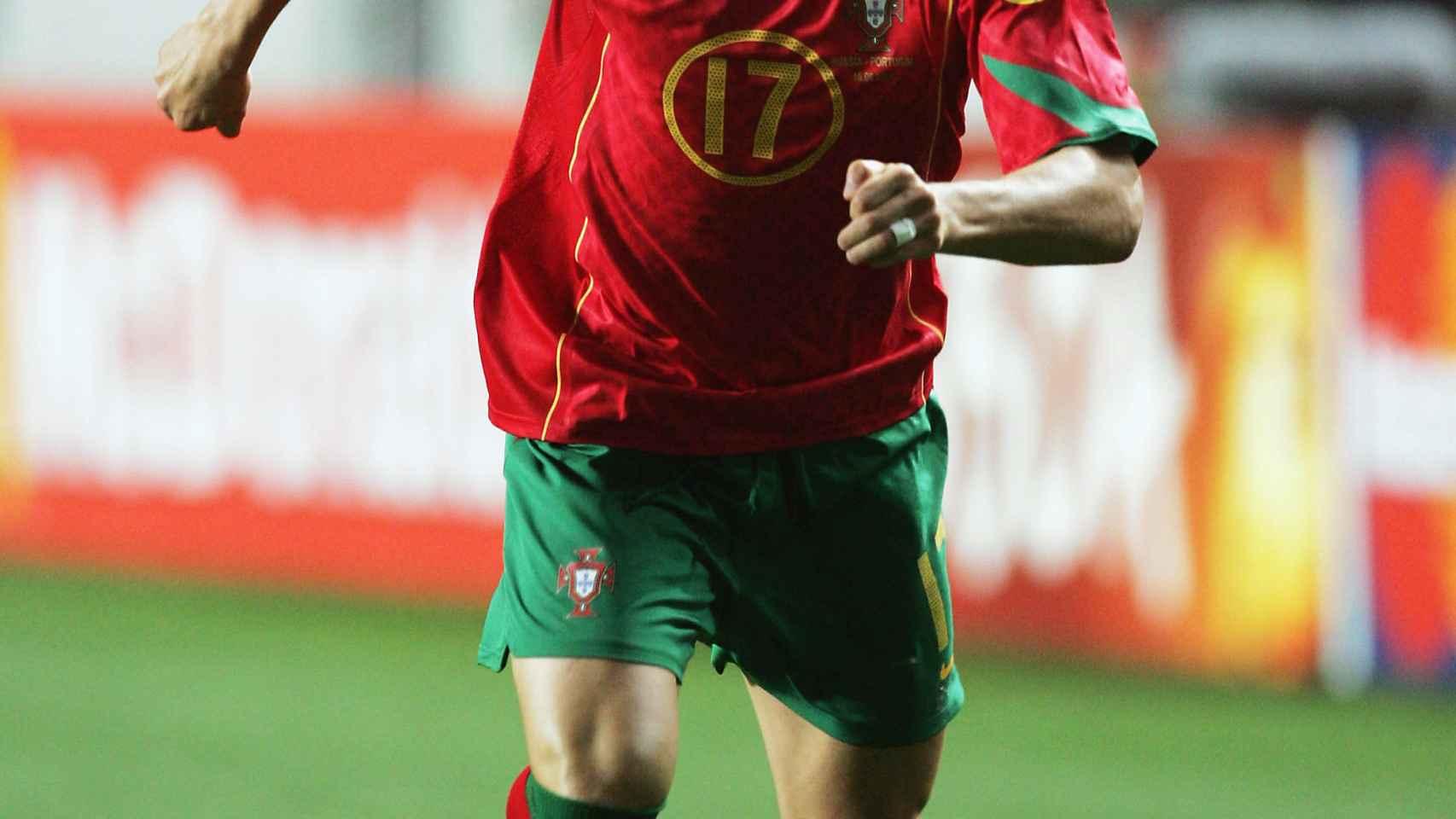 Cristiano Ronaldo, en un partido de la fase de grupos de la Euro 2004.