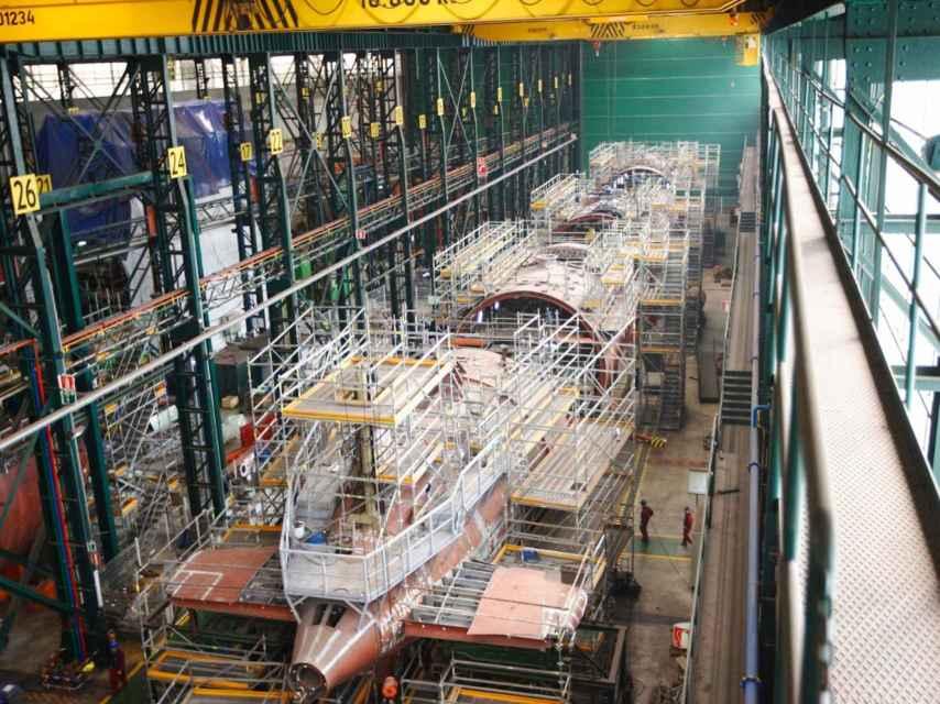 Construcción del esqueleto del S-80 en instalaciones de Navantia.