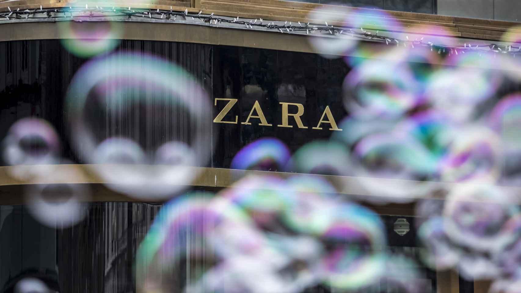 Exterior de una tienda de Zara en la República Checa.