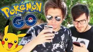 Los 'youtubers' El Rubius y Mangel probando el juego.