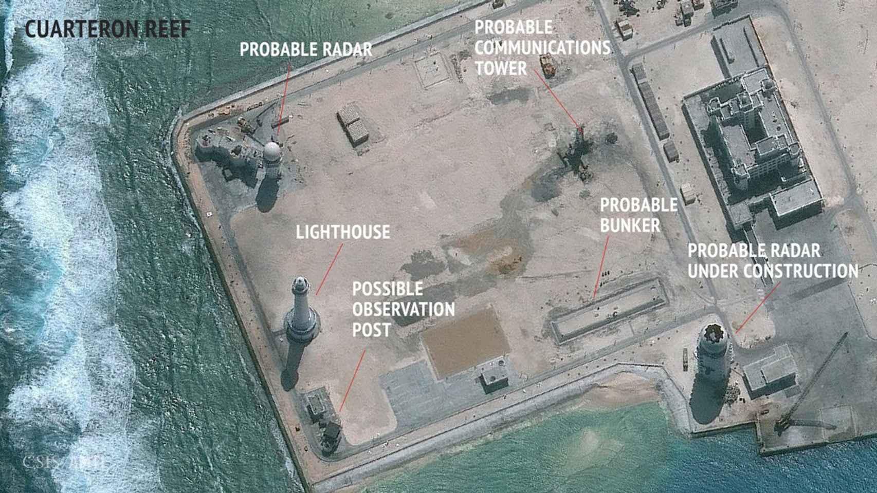 Instalaciones militares en el arrecife Cuarteron, en las islas Spratly.