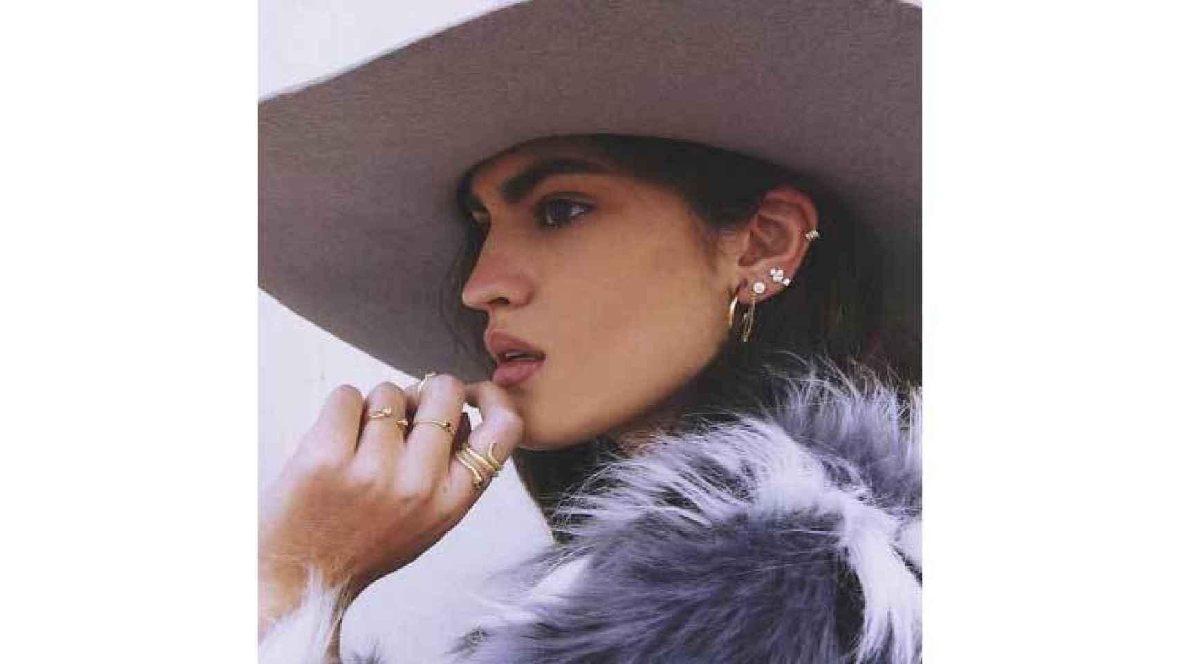Las joyas sostenibles de Urban Fawn enamoran a las más fashionistas.