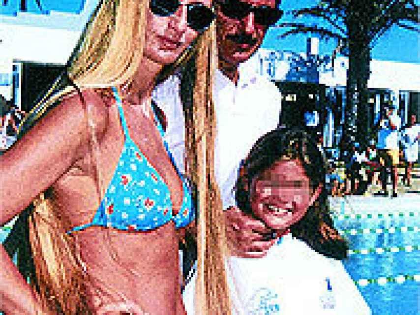 La familia, a su llegada a Marbella.