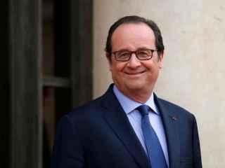 El peluquero de Hollande gana 9.895 euros al mes, según un semanario francés