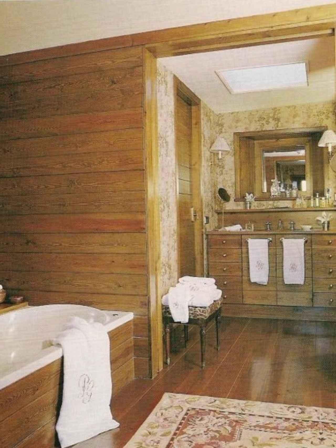 Imagen de uno de los baños de la casa.