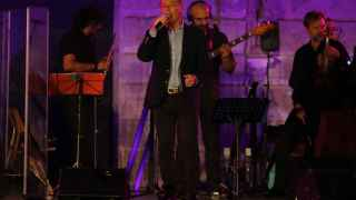 José Manuel Soto sobre el escenario