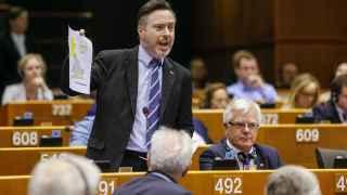 Smith exhibe en la Eurocámara el mapa que demuestra que Escocia votó quedarse