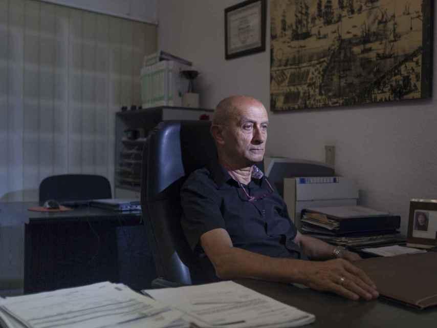 Ángel Centeno es propietario de una administración de fincas. Foto: Alberto Gamazo