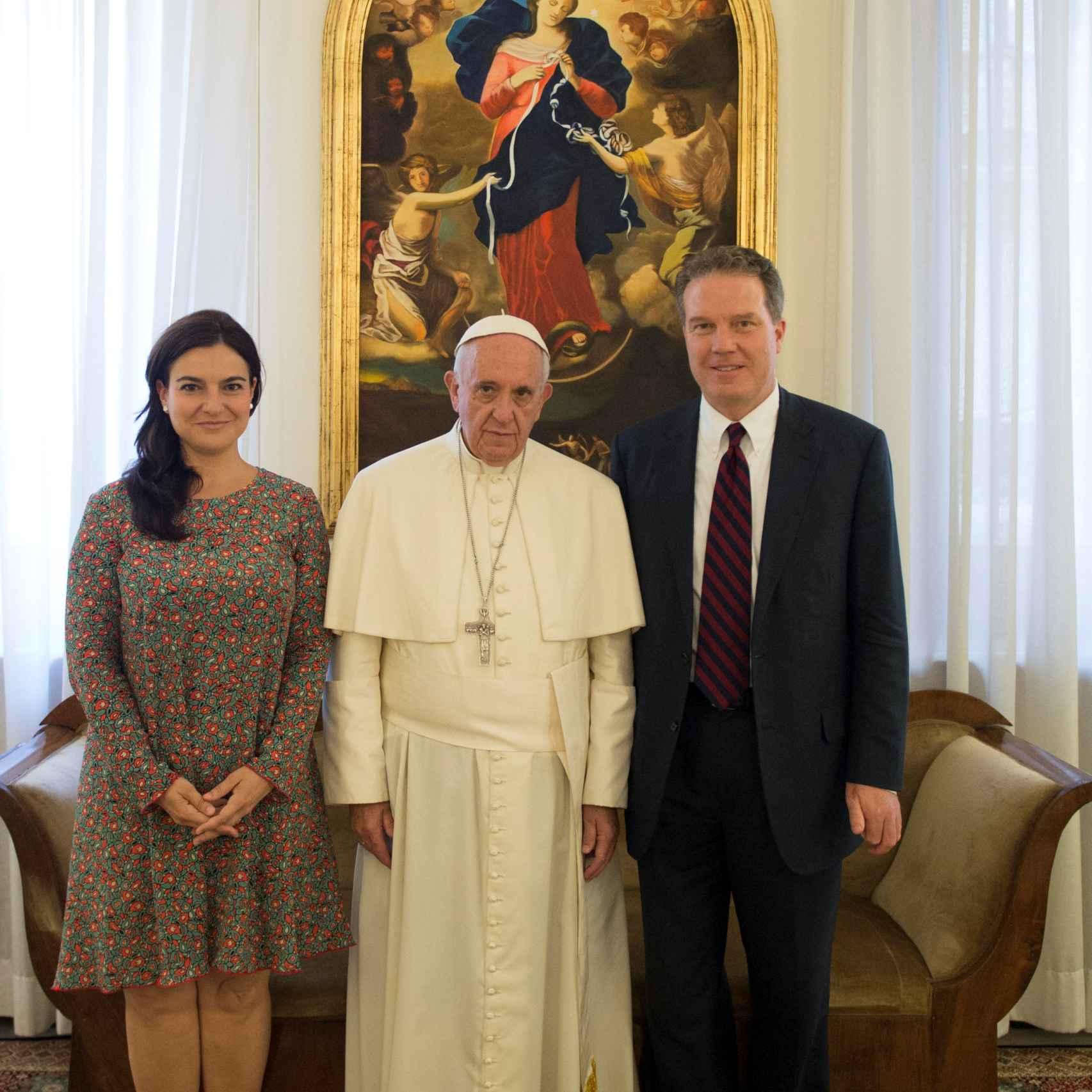 El papa Francisco con García Ovejero y Burke.