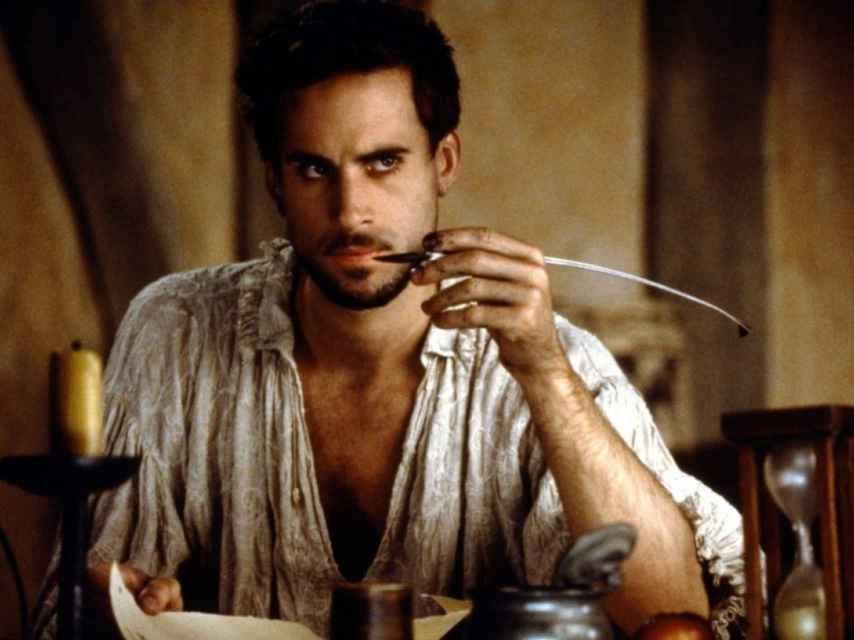 Joseph Fiennes en la película 'Shakespeare in love' interpretando al escritor.