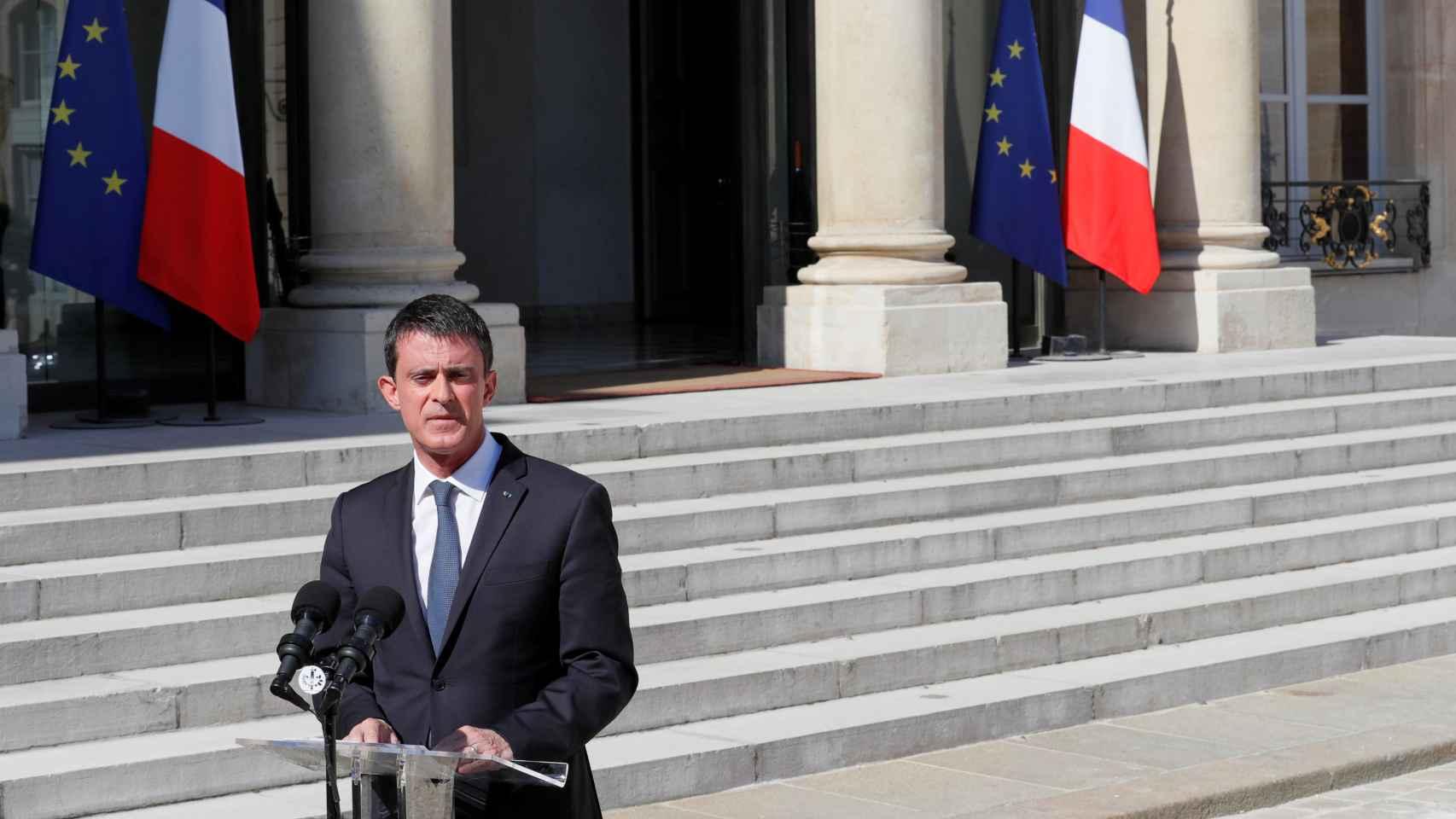 Manuel Valls decreta tres días de luto a causa del ataque.