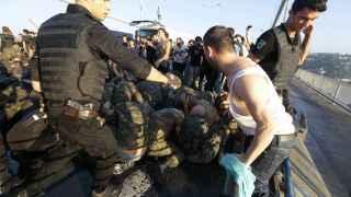 El Gobierno turco pone en el punto de mira por el golpe fallido a militares, políticos, periodistas.