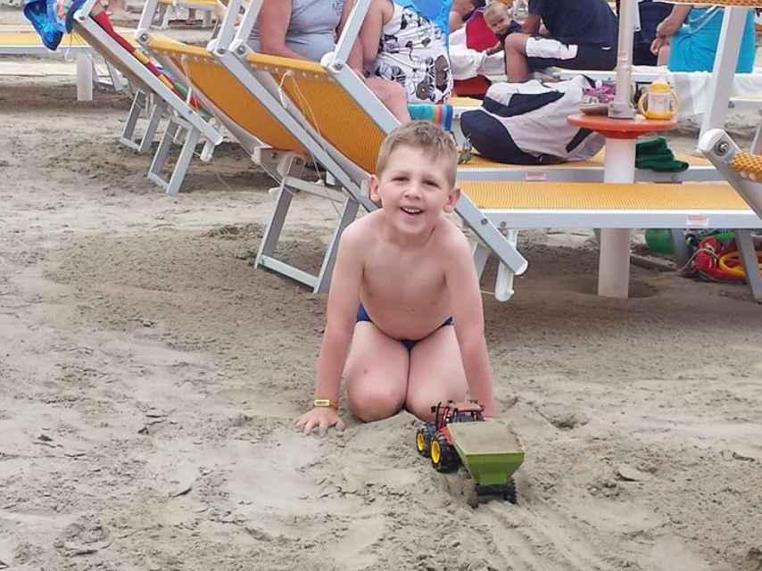Marco Scaravelli en la playa.