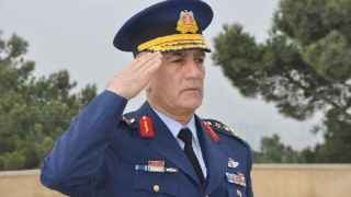 El general Akin Öztürk