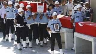 Erdogan cesa a 8.000 policías dentro de su política de represión tras el golpe de Estado