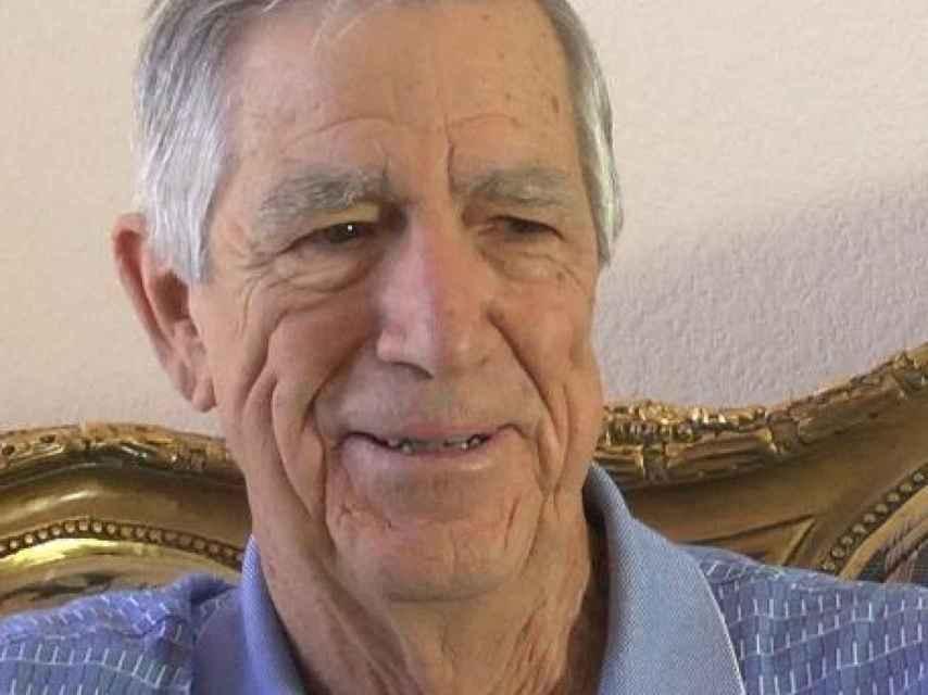 Bill Henderson.