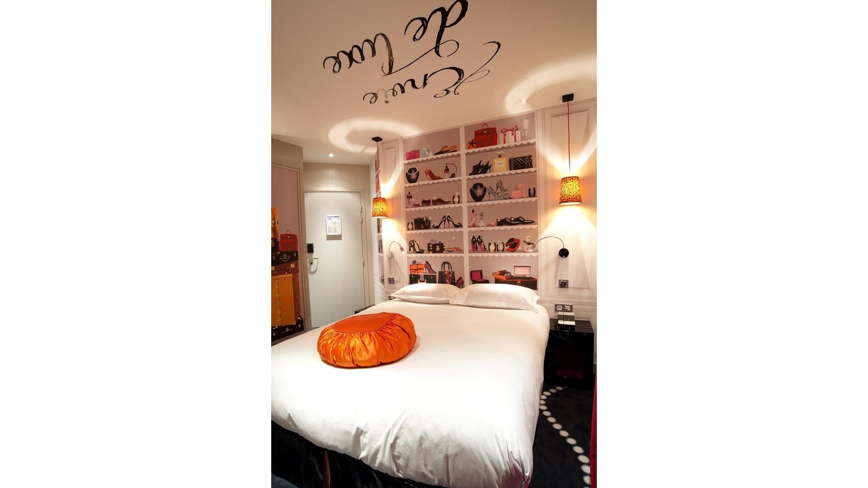 Hotel Vice Versa en París cuya decoración está diseñada por Chantal Thomas.