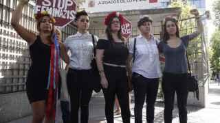 Las activistas de Femen, a su llegada al juzgado este miércoles