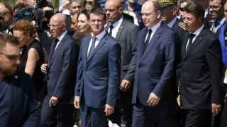 El PRimer Ministro francés, Manuel Valls, a su llegada al Monumento del centenario en Niza.