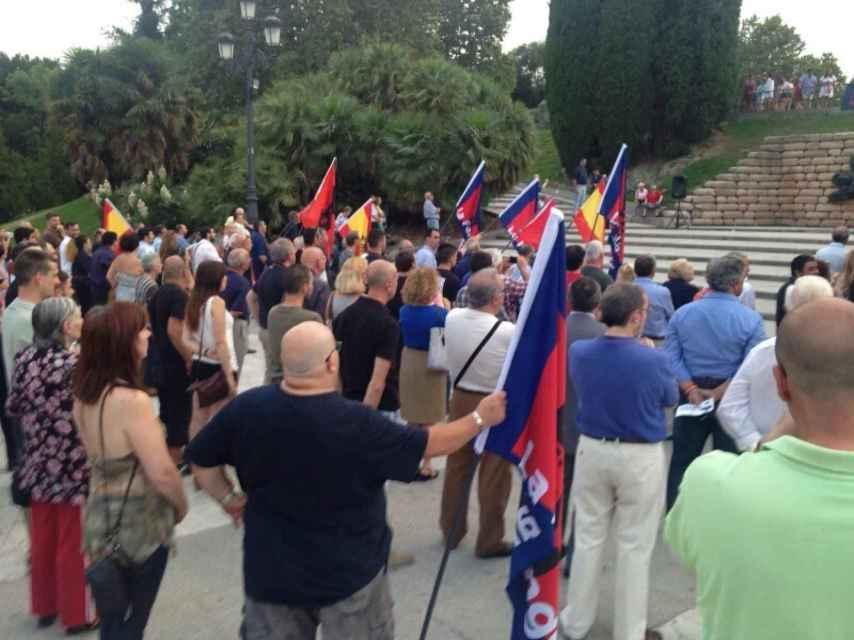 Simpatizantes de la Falange en la manifestación de ayer