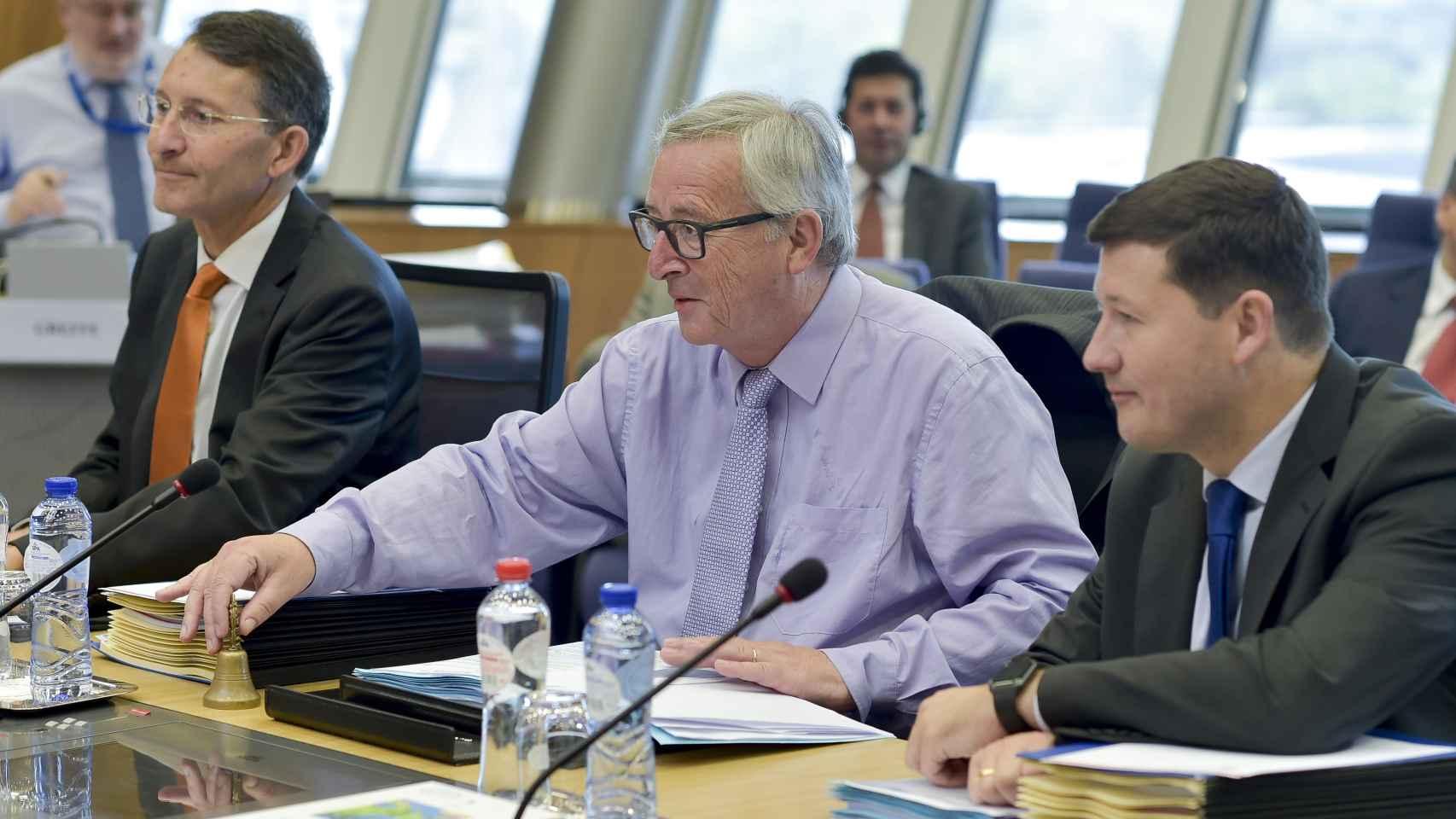 Juncker ha presidido la reunión sobre la multa a España por el déficit.