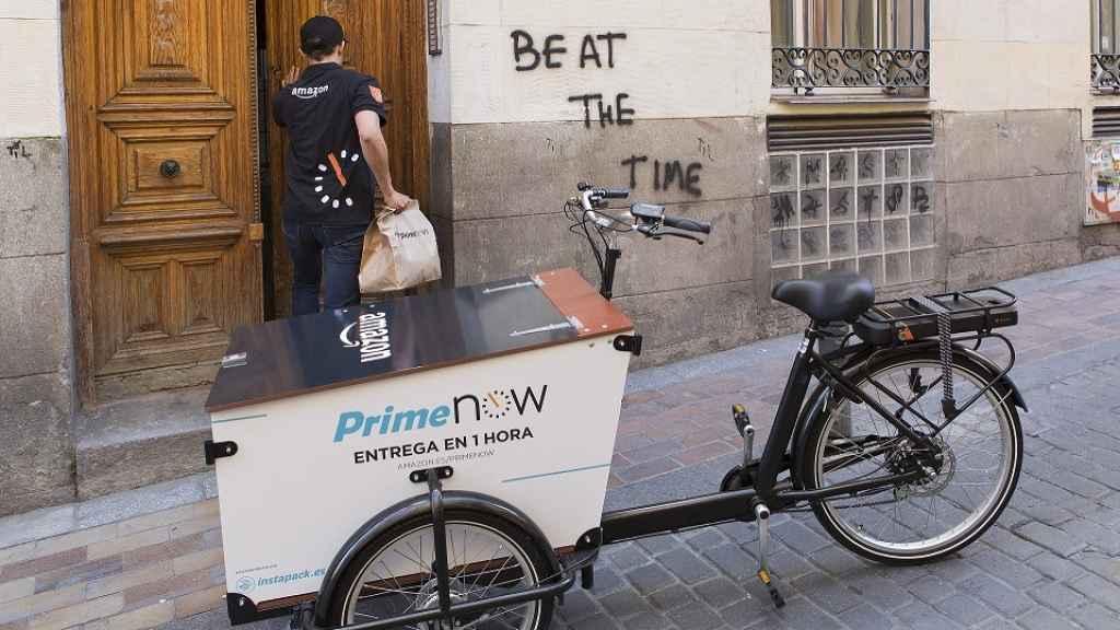 Amazon pelea con los grandes del 'súper': venderá productos frescos en Madrid con su servicio premium