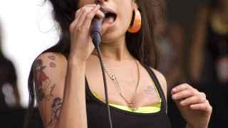 Amy Winehouse en el Virgin Festival en 2007.