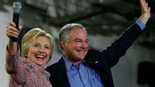 Hillary Clinton, en una imagen junto a Tim Kaine hace unos días en Virginia